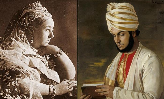 Британская королева Виктория и ее слуга Абдул Карим.